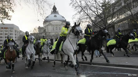 Mounted police boost public trust